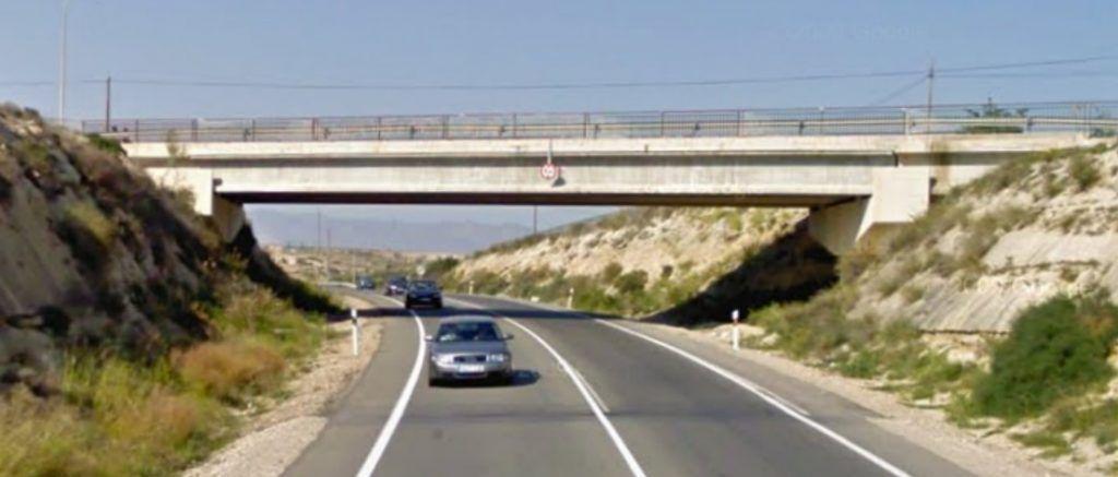 , Sustitución de vigas dañadas en un puente